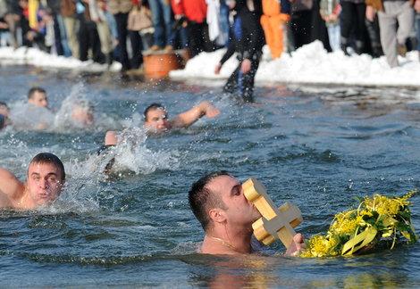 Plivanje za Časni krst na jezeru Gazivode u subotu