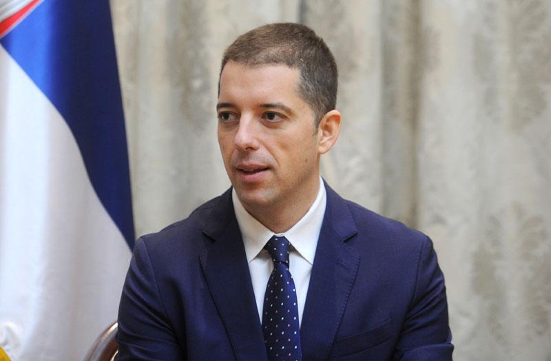 Marko Đurić osudio rušenje nadgrobnih spomenika u Lipljanu