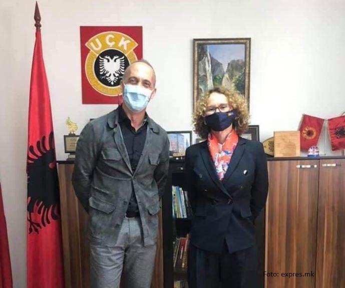Skandal u Severnoj Makedoniji: Ministarka odbrane na slici sa simbolima OVK