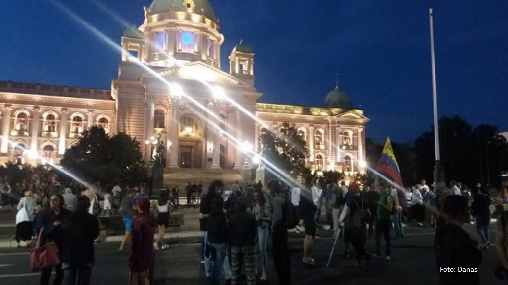 Protesti i večeras u više gradova u Srbiji