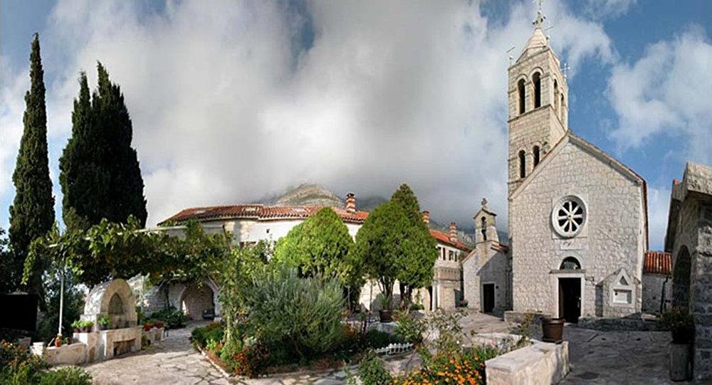 Uhapšen sveštenik iz Srbije u manastiru Reževići
