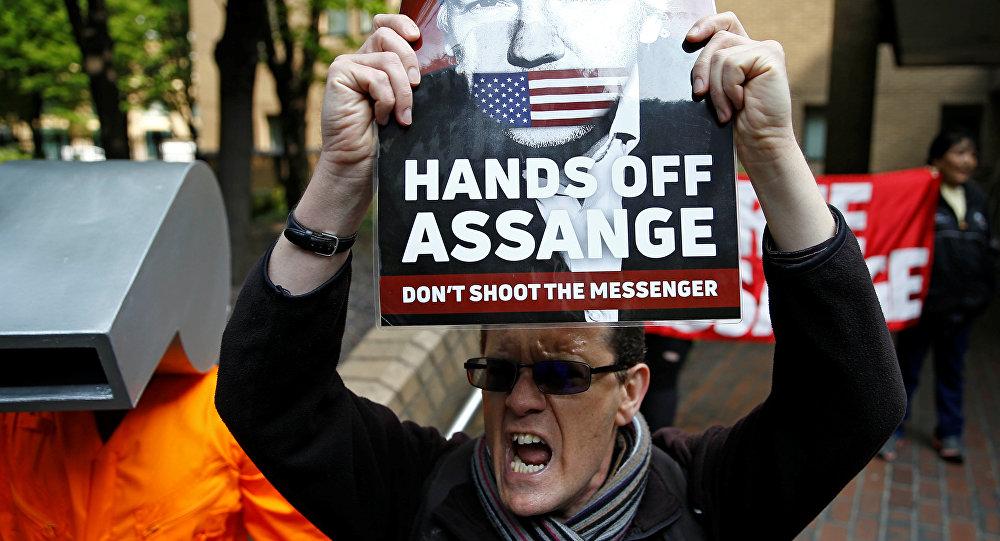 Sud u Londonu osudio Asanža na 50 nedelja zatvora  VIDEO