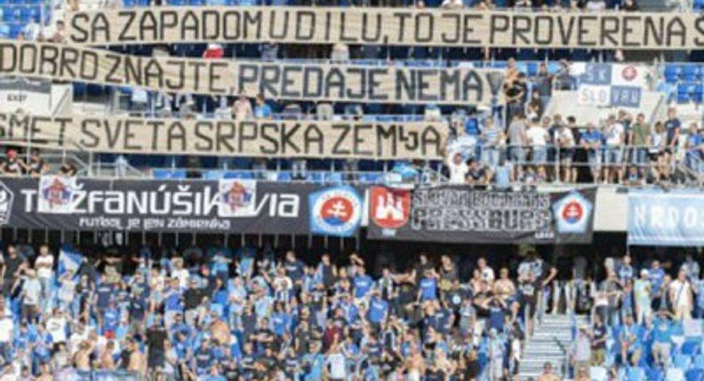 Navijači Slovana iz Bratislave skandirali: Kosovo je Srbija