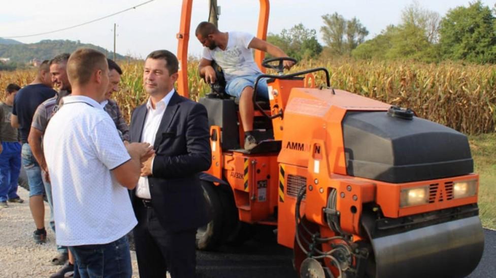 Todić: Opštinsko rukovodstvo intenzivno radi na rešavanju decenijskih problema građana