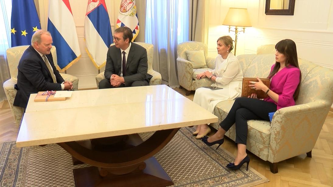 Vučić i Van den Dol: Jačati ekonomske veze dve zemlje