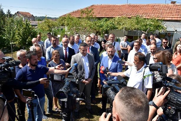 Delegacija Srpske liste u poseti Gračanici