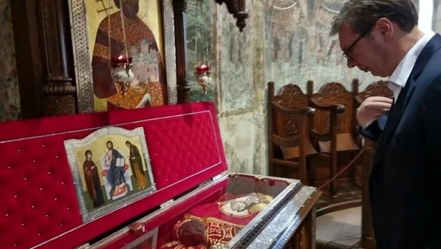 Vučić posetio manastir Ravanica