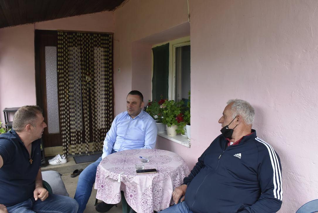 Popović posetio porodicu Miljković u Lipljanu