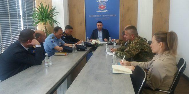 Popović sa predstavnicima policije i KFORA o bezbednosnoj situaciji