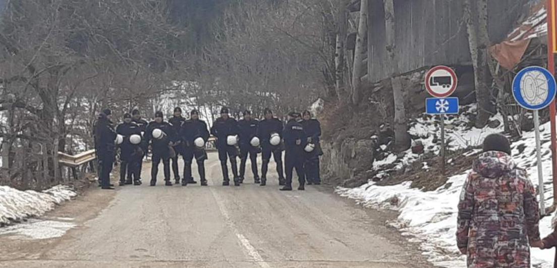 Policija blokirala ulazak u CG građanima iz Čajniča koji su krenuli na litiju