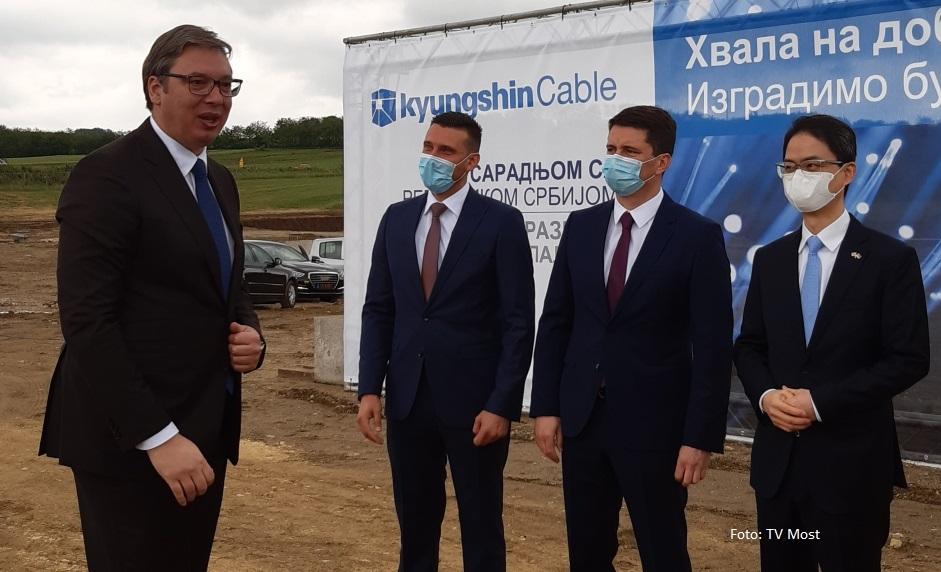 Vučić za TV Most: Nema rokova, ne znamo ni s kime da razgovaramo u Prištini VIDEO
