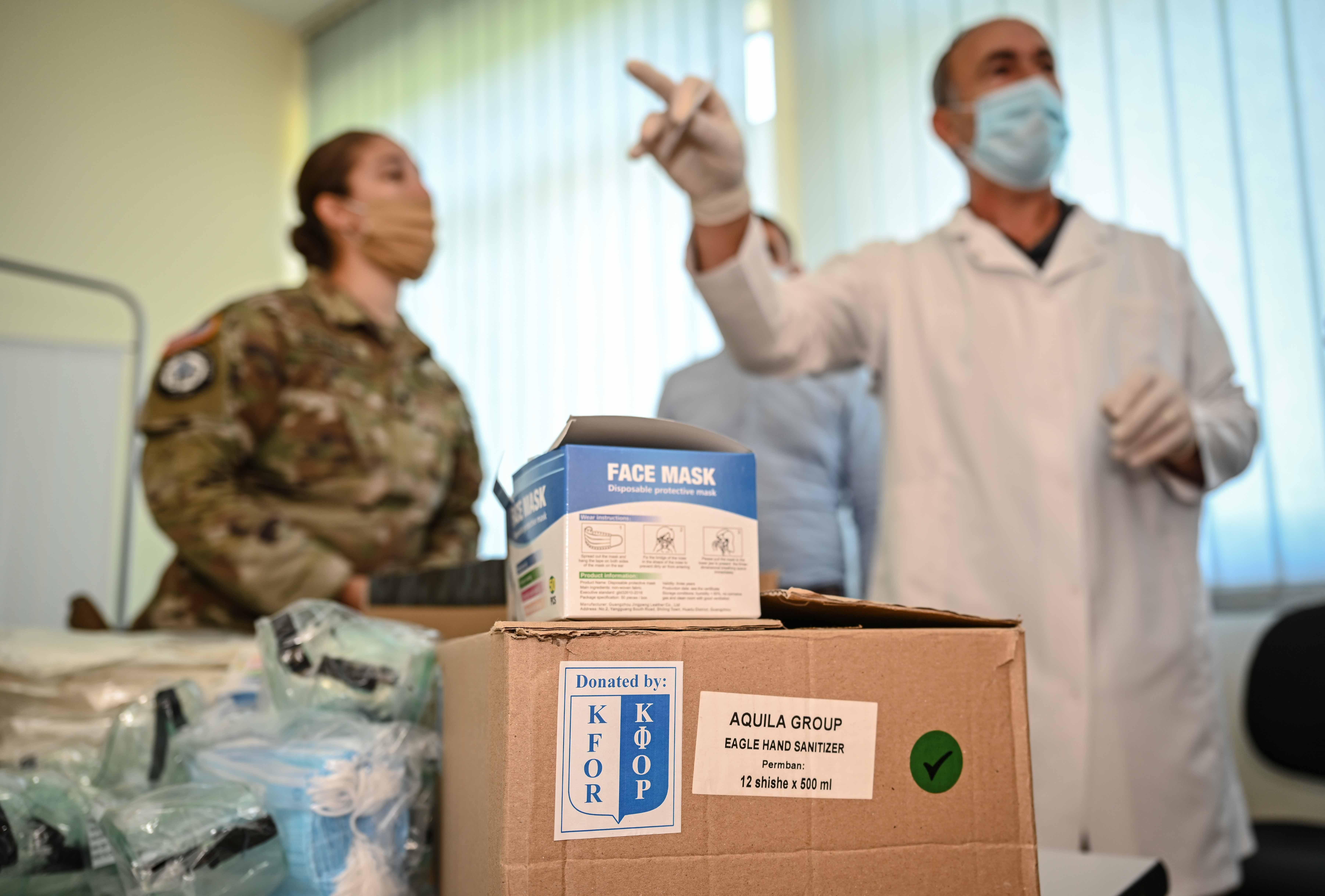 KFOR podržava odgovor na kovid-19 uz drugu donaciju opreme za ličnu zaštitu