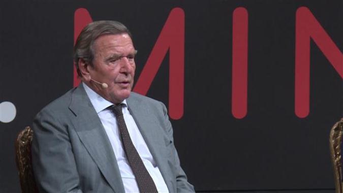 Zečević: Šrederov stav o rešavanju problema KiM je najrealniji