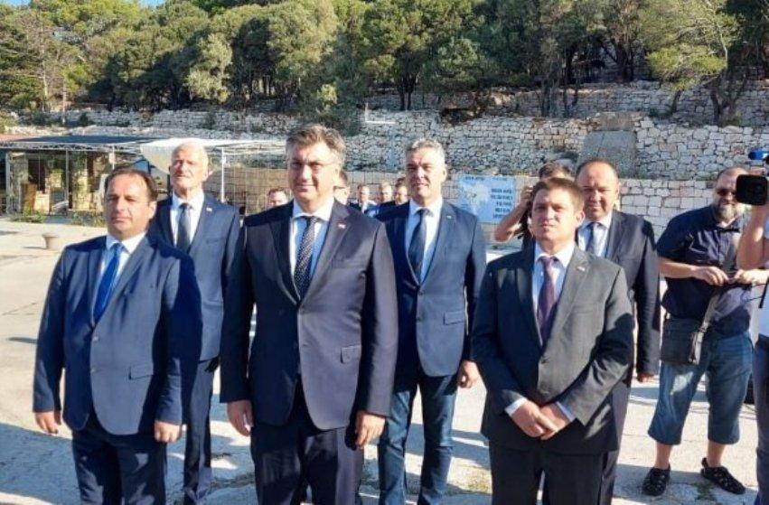 Plenković na Golom otoku: Važno negovanje kulture sećanja