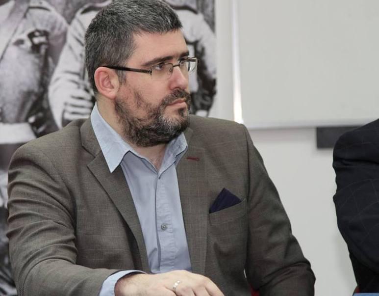 Starović: Na vlast se ne dolazi sa fantomkama i motornim testerama