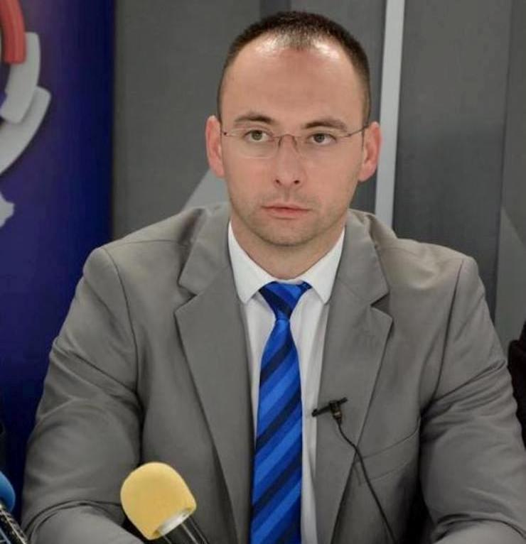 Simić: Nisam od ministra Mustafe dobio odgovor da li će policija da pojača prisustvo i zaštiti Srbe