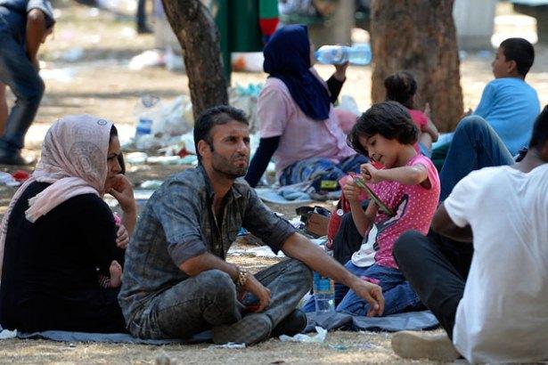 Migranti stižu iz Makedonije, Bugarske, ali i avionom iz Irana