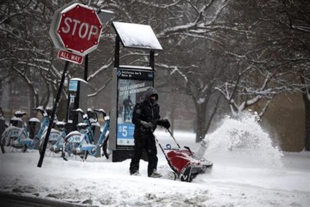 SAD: Srednji zapad pod snegom, otkazano više od 500 letova
