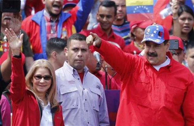 Gvaido: Okrenite Maduru leđa; Maduro: Idemo na vanredne izbore