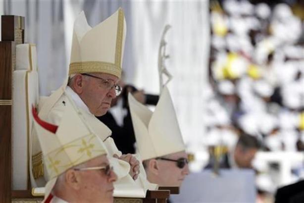 Papa javno priznao da su sveštenici zlostavljali kaluđerice
