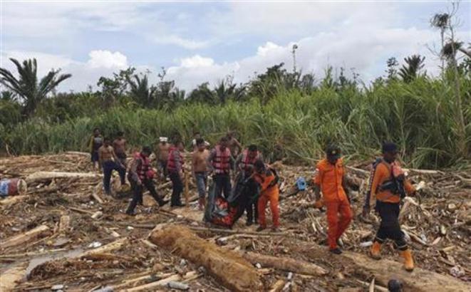 Indonezija: Poplave odnele 73 zivota, 60 se vode kao nestali