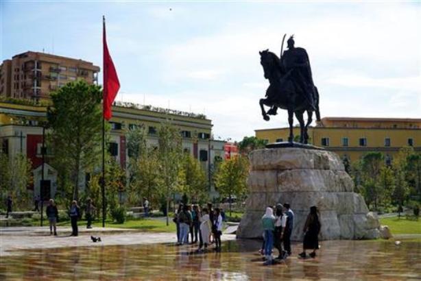 Albanska opozicija za danas planira blokadu puteva za Tiranu