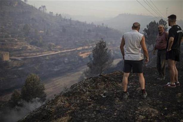 Besne požari u Kataloniji, 30 ljudi evakuisano
