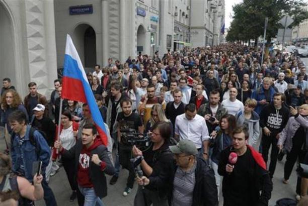 Protest u Moskvi, opozicija traži da učestvuje na izborima