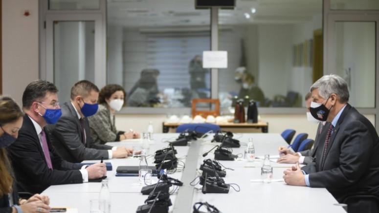 Kosnet: Podrška SAD zajedničkom procesu dijaloga koji vodi EU