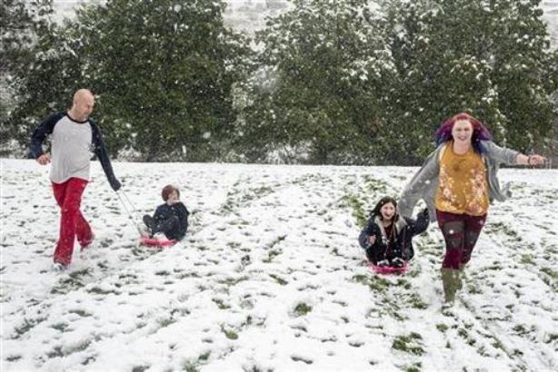 Zima poranila u SAD, u Montani 121 cm snega