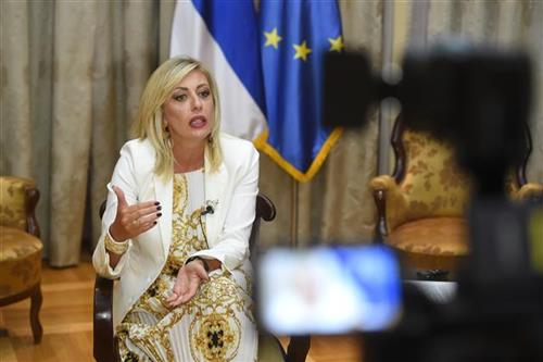 Joksimovićeva Fajonovoj: Ne protestuju građani, već politički akteri