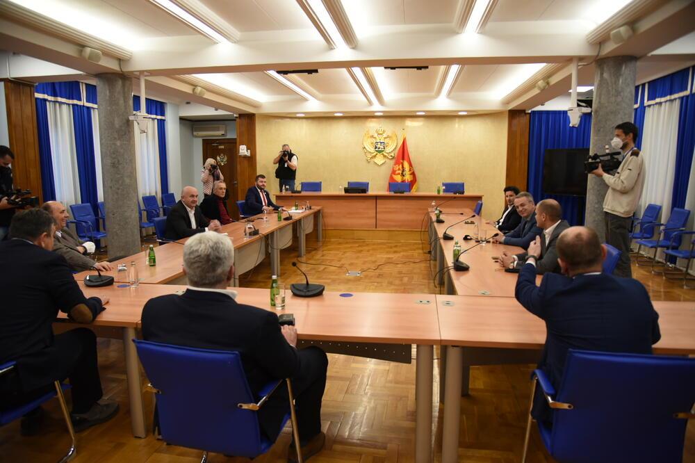 CG: Počeo drugi sastanak predstavnika parlamentarne većine
