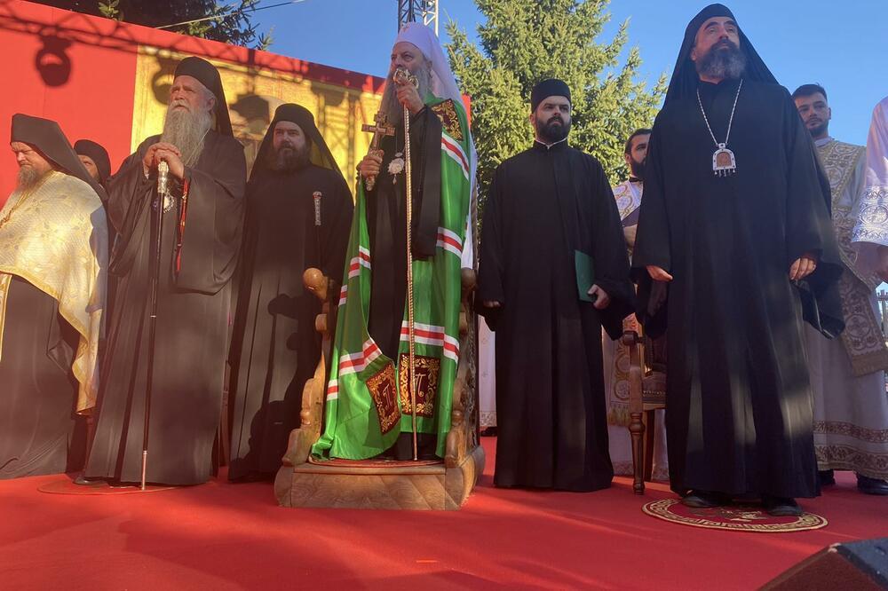 Porfirije stigao u manastir Đurđevi stupovi