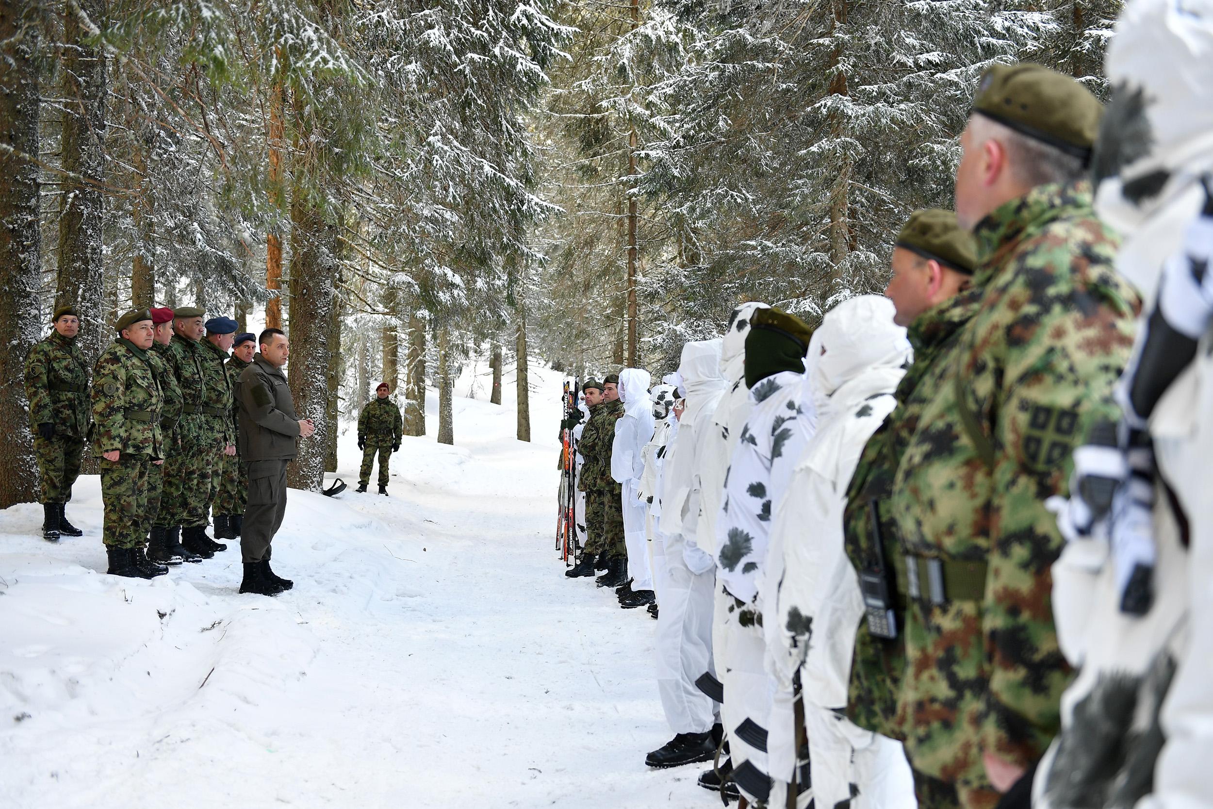 Vulin na obuci kadeta Vojne akademije u zimskim uslovima