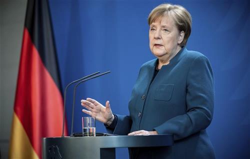 Merkel: Prerano je za ublažavanje mera