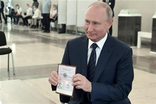 Ruski predsednik Vladimir Putin izašao danas na glasanje
