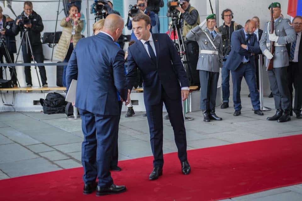 Gazeta Blic: Žestoki sukob Makrona sa Haradinajem u Berlinu