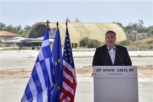 Pompeo pozvao Jermeniju i Azerbejdžan da zaustave sukobe