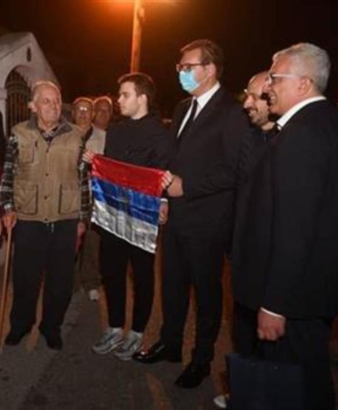 Vučić u Podgorici sa Mandićem i Kneževićem
