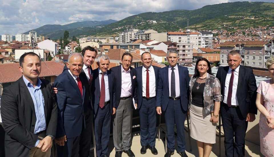 Ugljanin  sa Aljbinom Kurtijem na obeležavanju godišnjice Prizrenske lige