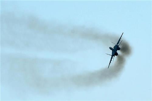Ruski MiG presreo američki vojni avion iznad Pacifika