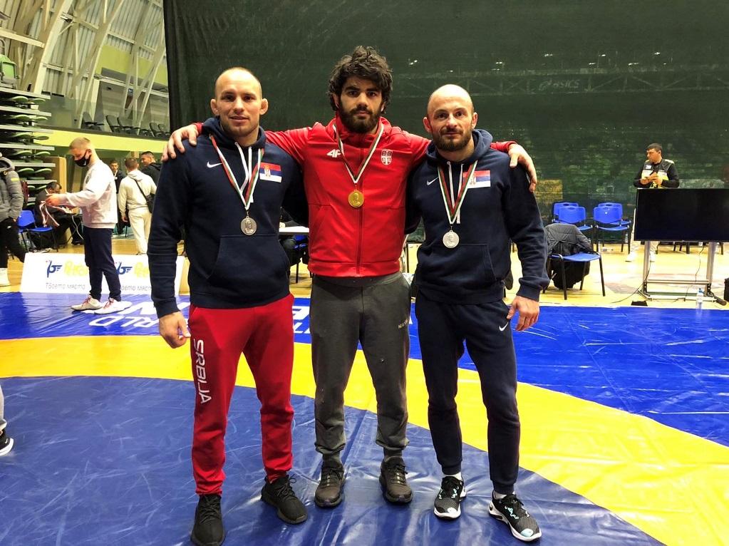 Tri medalje za srpske rvače u Bugarskoj
