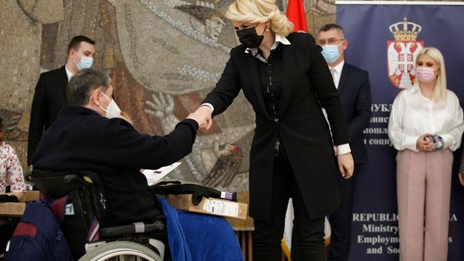 Srbija bez barijera-uručene nagrade povodom Međunarodnog dana invalidskih kolica