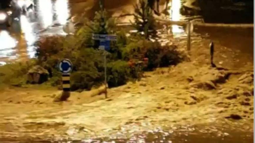 Jako nevreme u Sjenici, centar grada pod vodom