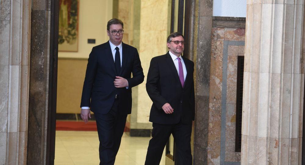 Vučić i Palmer telefonom:Sastanak za desetak dana