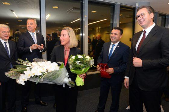 Vučić na večeri sa Mogerini i liderima Zapadnog Balkana
