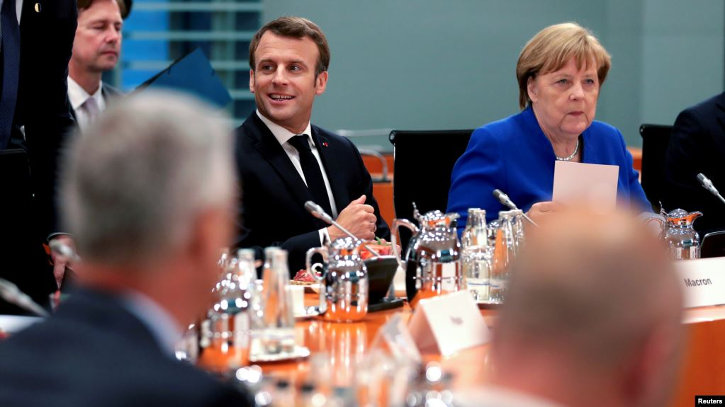 Blic: Merkel i Makron pritiskaju Tačija i Haradinaja