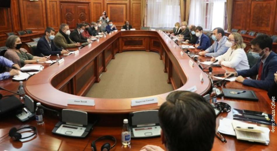 Brnabićeva i Gojkovićeva sa članovima Radne grupe za bezbednost i zaštitu novinara