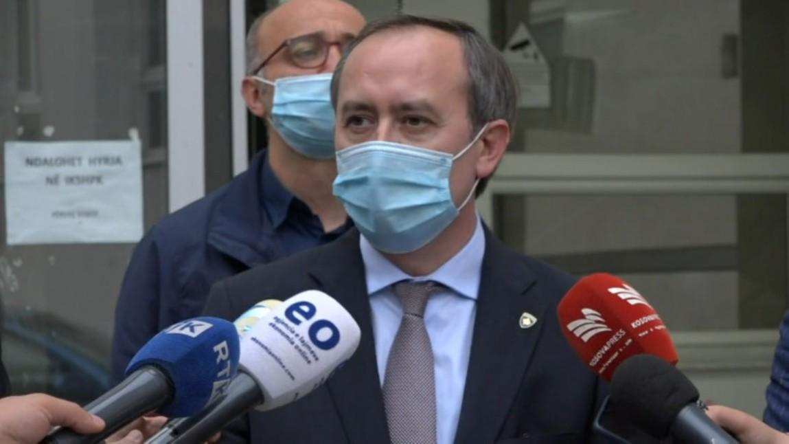 Hoti najavio mogućnost uvođenja vanrednog stanja na Kosovu