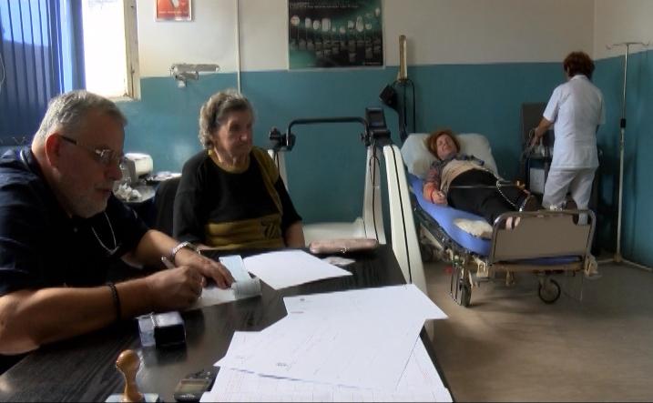 U KBC Kosovska Mitrovica organizovani besplatni oftalmološki i pulmološki pregledi